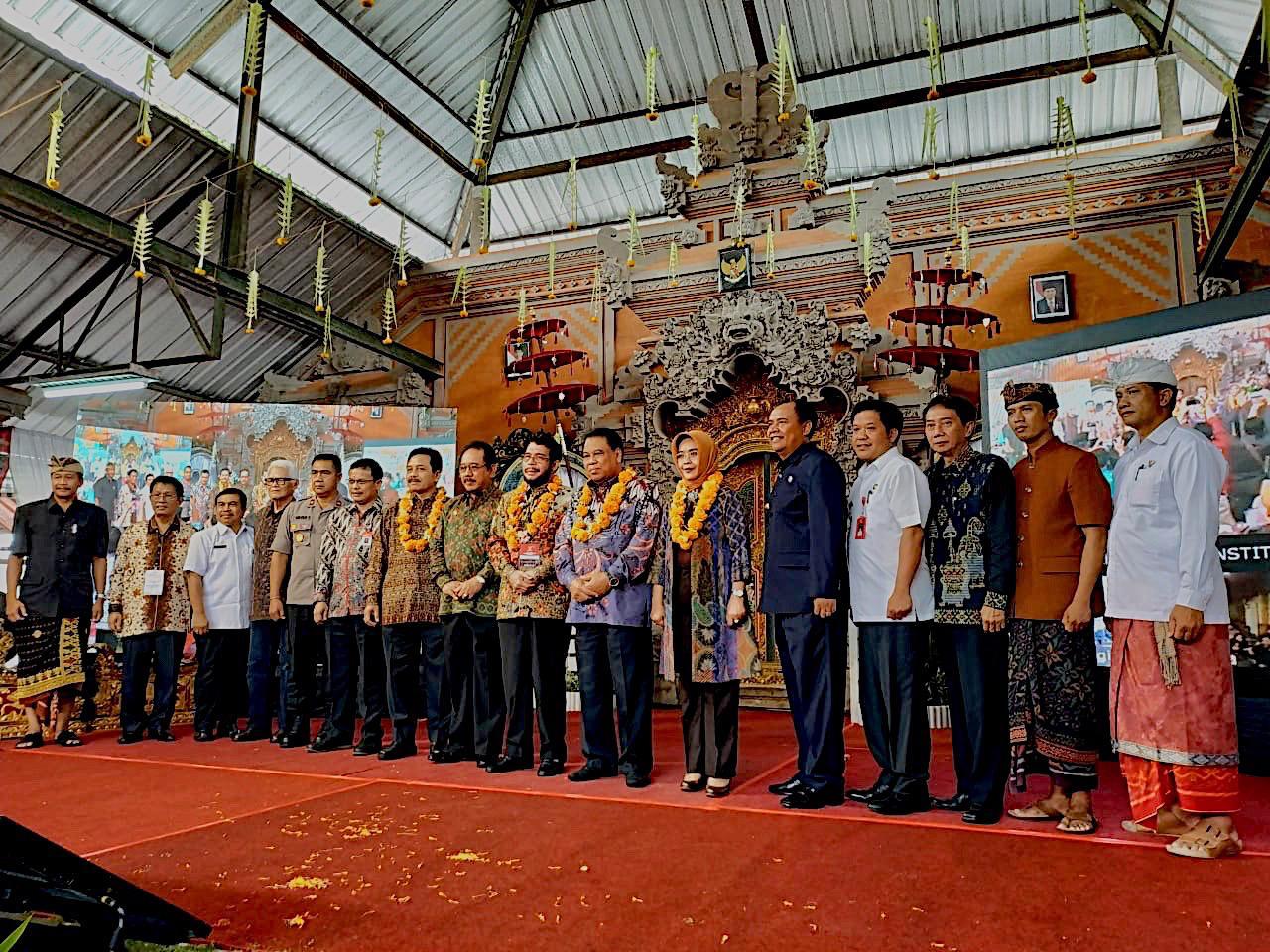PENGUKUHAN DESA BANGBANG SEBAGAI DESA KONSTITUSI PERTAMA DI INDONESIA OLEH MAHKAMAH KONSTITUSI REPUBLIK INDONESIA