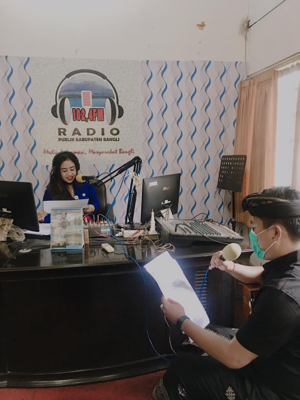 SOSIALISASI PERBUP PROTOKOL KESEHATAN MELALUI RADIO PUBLIK KABUPATEN BANGLI